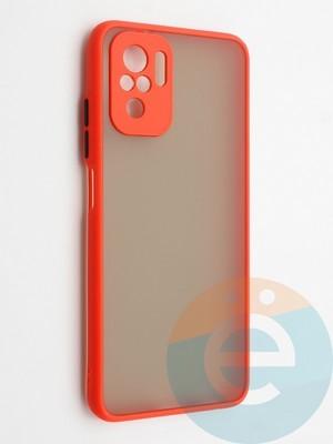 Накладка пластиковая с силиконовой окантовкой с защищенной камерой для Xiaomi Redmi Note 10 4G красная - фото 42333