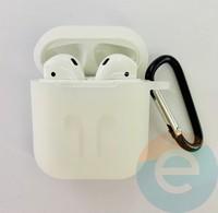 Чехол силиконовый для наушников Apple AirPods с карабином прозрачный