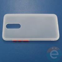 Накладка пластиковая матовая с силиконовой окантовкой для Xiaomi Redmi 8 белая