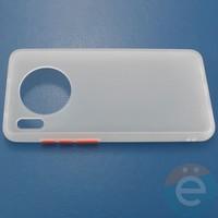 Накладка пластиковая матовая с силиконовой окантовкой для Huawei Mate 30 белая