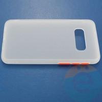 Накладка пластиковая матовая с силиконовой окантовкой для Samsung Galaxy S10E белая