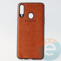 Накладка кожаная с логотипом для Samsung A20s коричневая