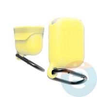 Чехол силиконовый воданепроницаемый Waterproof Hang Case для Apple AirPods 1/2 желтый