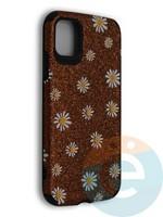 Накладка силиконовая с ромашками для Apple iPhone 11 коричневая