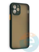 Накладка пластиковая с силиконовой окантовкой с защищенной камерой для iPhone 11 Pro зеленая