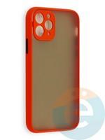Накладка пластиковая матовая с силиконовой окантовкой с защищенной камерой для iPhone 11 Pro красная