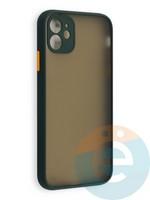 Накладка пластиковая с силиконовой окантовкой с защищенной камерой для iPhone 11 зеленая