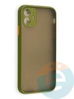 Накладка пластиковая с силиконовой окантовкой с защищенной камерой для iPhone 11 хаки