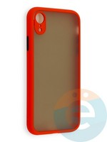 Накладка пластиковая матовая с силиконовой окантовкой с защищенной камерой для iPhone XR красная