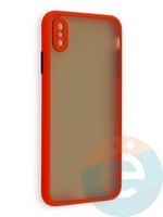 Накладка пластиковая матовая с силиконовой окантовкой с защищенной камерой для iPhone Xs Max красная