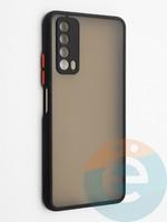 Накладка пластиковая с силиконовой окантовкой с защищенной камерой для Huawei P Smart 2021 черная