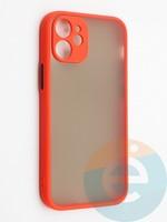Накладка пластиковая с силиконовой окантовкой с защищенной камерой для iPhone 12 mini красная